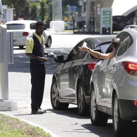 Novo modelo de estacionamento já implantado na Lagoa Foto: Agência O Globo / Márcio Alves