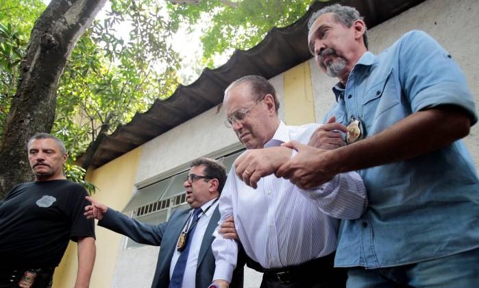 Após ter prisão domiciliar negada, Maluf é levado para Brasília