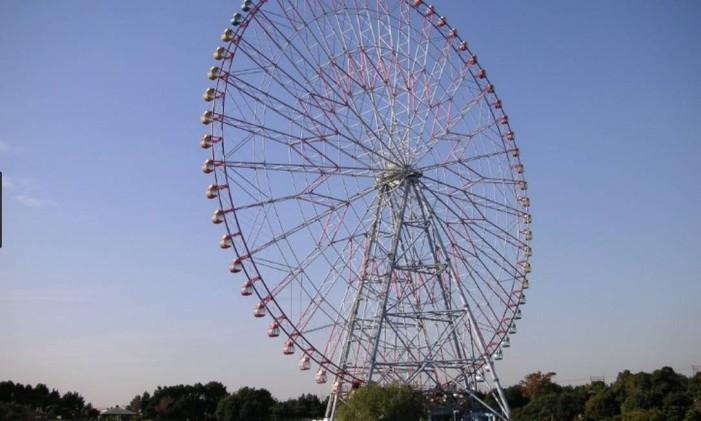 A Diamond and Flower Ferris Wheel, em Tóquio: formato lembra um diamante e uma flor, daí o nome em inglês Foto: Go Tokyo / divulgação