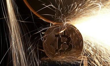Bitcoin em alerta Foto: .