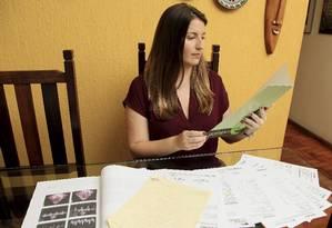 Aos 26 anos, Patrícia Miranda foi diagnosticada com melanoma, tipo mais agressivo de câncer de pele. Ela precisou fazer uma série de exames e realizar uma cirurgia para retirar o tumor que apareceu na barriga Foto: Uanderson Fernandes / Agência O Globo
