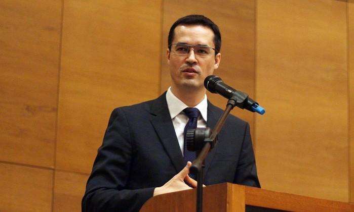 Michel Temer facilita perdão a presos por crime de corrupção