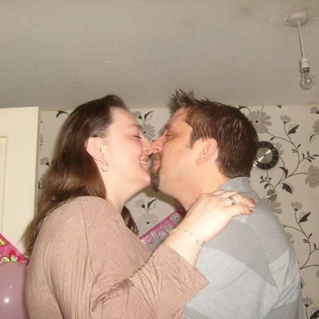 Donna e Elliott, na comemoração de 1 ano da filha mais velha do casal Foto: Facebook / Reprodução
