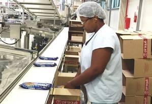 Custo. A fabricante de biscoitos Piraquê gastou cerca de R$ 150 mil na adaptação dos seus sistemas ao eSocial. Gasto pode ser entrave para firmas menores Foto: Divulgação / divulgação