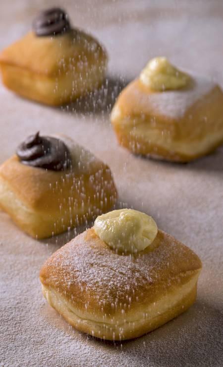 Formidable Bistrot. Mistura de café da manhã e brunch do chef Pedro de Artagão aposta ovo benedict (R$ 36), omelete com champignon (R$ 29); Croque Monsieur (R$ 28); terrine Formidable (R$ 48); les blinis (banana e nutela – R$ 24) , além de sanduíches, beignets (foto), champagne, mimosa (champanhe com suco de laranja) e bloody mary. Rua João Lira 148, Leblon (2239-7632). Seg, das 8h às 18h. Foto: Divulgação