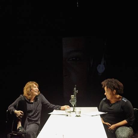 Grace Passô e Renata Sorrah, em 'Preto': questões raciais em pauta Foto: Divulgação / Nana Moraes