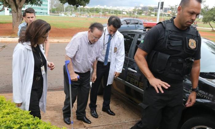Maluf tem doença grave mas pode ficar preso — IML