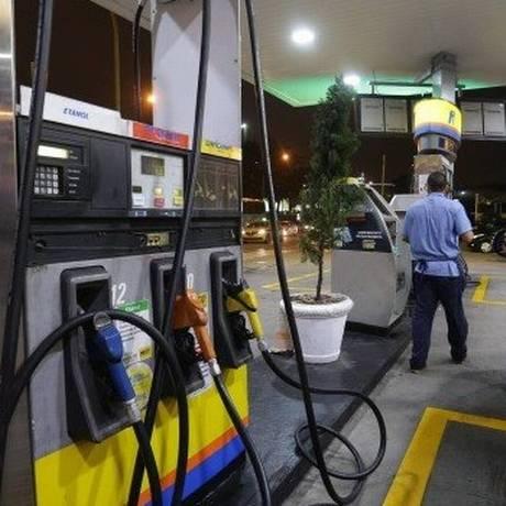 Preço do diesel também sofretá alta Foto: Márcio Alves / Agência O Globo