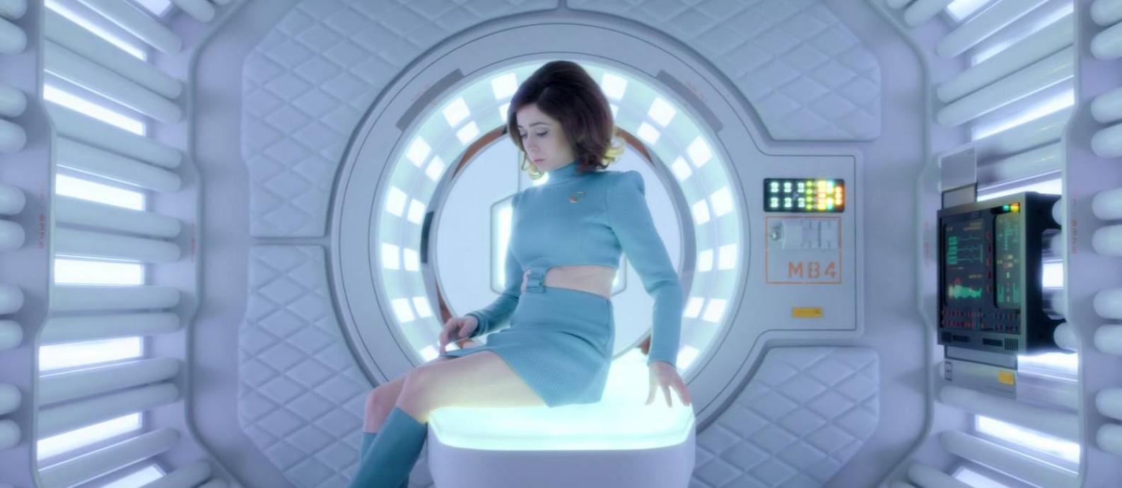 Cristin Milioti estrela um dos episódios da quarta temporada da série 'Black mirror' Foto: Divulgação