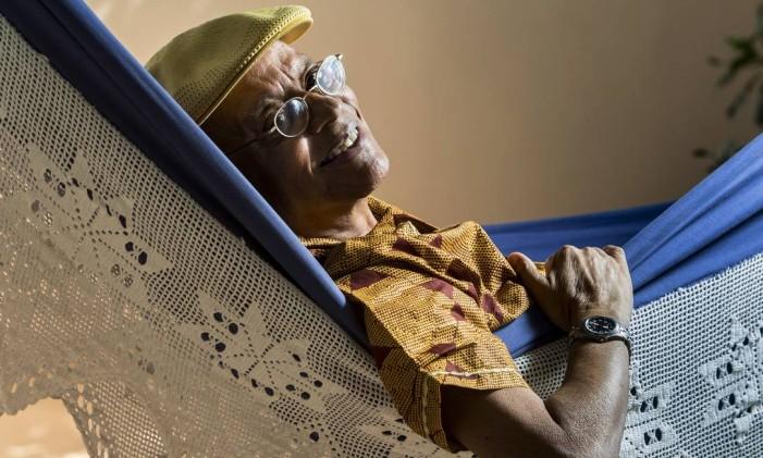 Nei Lopes faz 75 anos e lanca dicionario sobre historia da Africa Foto: Ana Branco / Agência O Globo