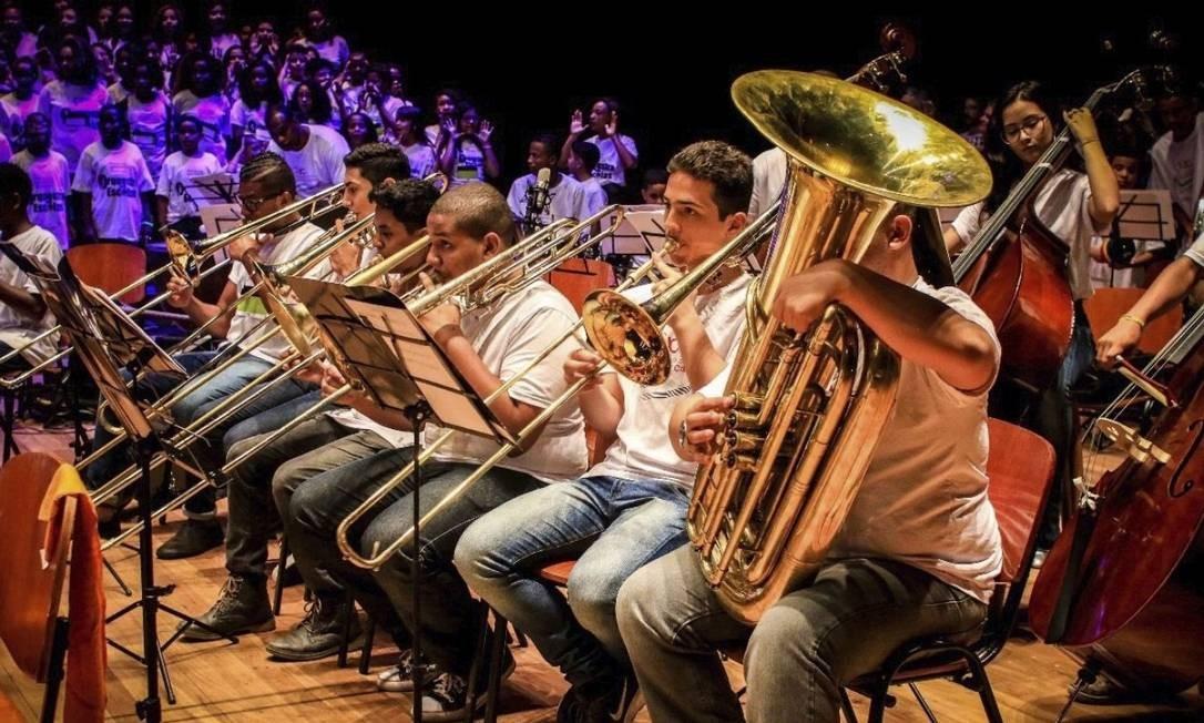 Talento. Músicos da Orquestra Sinfônica Juvenil Carioca durante um concerto na Cidade das Artes: grupo tem 280 integrantes Foto: Divulgação/Rafael Ribeiro