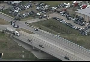 Polícia responde a alerta de tiroteio em Houston, nos EUA Foto: Reprodução Televisão