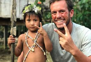 Jonatan Diniz faz trabalhos de caridade para ajudar crianças carentes na Venezuela Foto: Reprodução/Facebook
