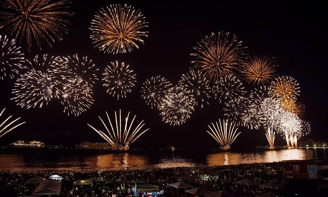 Show de luzes em Copacabana foi marcado pelo tempo bom, apesar da previsão de chuva nos últimos dias Divulgação/ Riotur