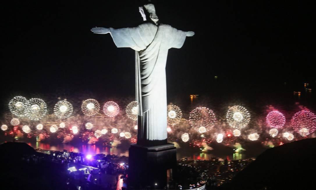 Queima de fogos podia ser vista do Cristo. Show de luzes encantou público Fernando Maia / Divulgação