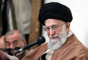 Aiatolá Ali Khamenei faz pronunciamento ao Irã durante crise política desencadeada por protestos contra regime autoritário Foto: ATTA KENARE / AFP