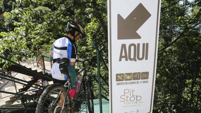 Ciclista chega ao Pit Stop Paineiras Foto: Divulgação / Divulgação