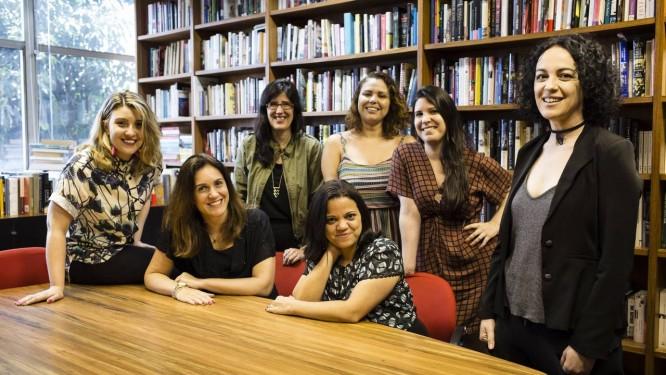 A nova Rosa dos Ventos: Rafaella Machado (à esquerda), Roberta Machado e Andreia Amaral; em pé, Ana Paula Costa, Ana Lima, Livia Vianna e Marcia Tiburi Foto: Fernando Lemos / Agência O Globo