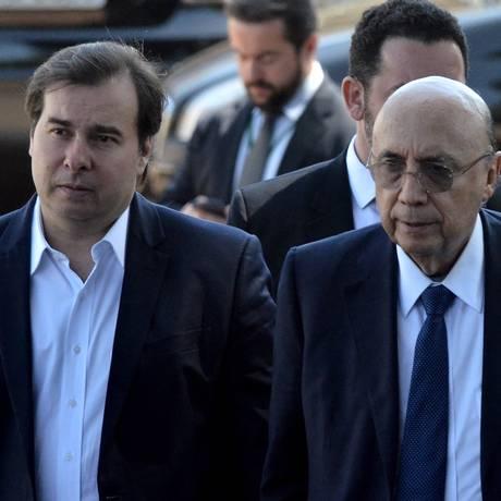 O presidente da Câmara, Rodrigo Maia e o ministro da Fazenda, Henrique Meirelles Foto: Renato Costa/Agência O Globo/15-08-2017