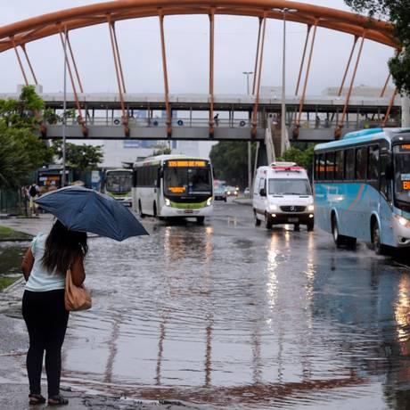 Chuva tomou estado do Rio nesta quinta-feira Foto: Marcos de Paula/Agência O Globo