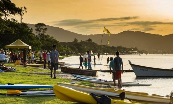 711eddebd Cinco locais para praticar stand-up paddle pelo Brasil - Jornal O Globo