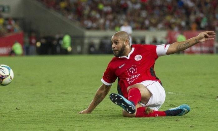 Ap�s Adriano pedir retorno, Flamengo oferece projeto para recuperar o �dolo