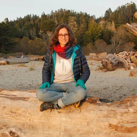 A scritora Carol Bensimon no condado de Mendocino, meca da produção de maconha na Califórnia Foto: Divulgação / Arquivo Pessoal