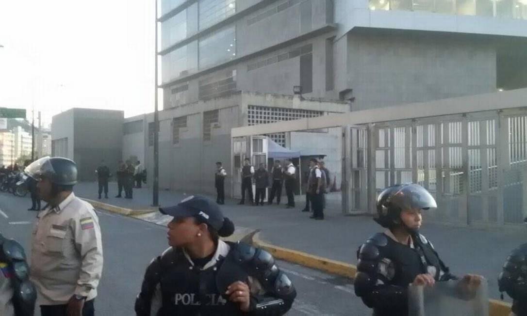 Resultado de imagen para sebin plaza venezuela direccion