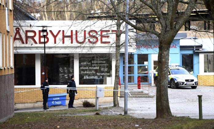 Explosão perto de metrô em Estocolmo deixa um morto