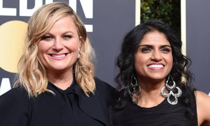 Amy Poehler e Saru Jayaraman Foto: VALERIE MACON / AFP