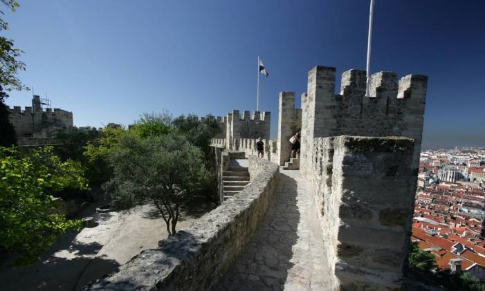 Castelo de São Jorge, em Lisboa, um dos pontos turísticos mais conhecidos da capital portuguesa Foto: Divulgação/Associação de Turismo de Lisboa