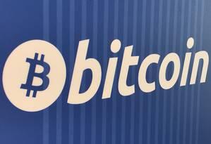 Logomarca do bitcoin. Foto: Lucy Nicholson/Reuters