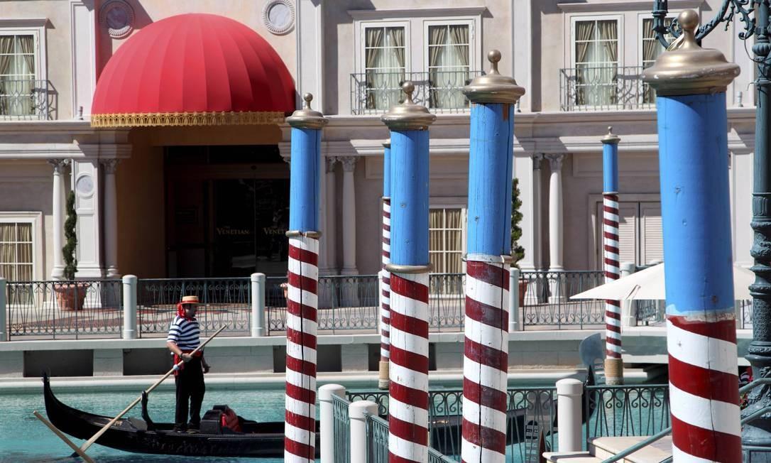 Passeios de gôndola no Hotel the Venetian, em Las Vegas, reproduzem o ambiente de Veneza, na Itália Foto: Marcelo Carnaval / Agência O Globo