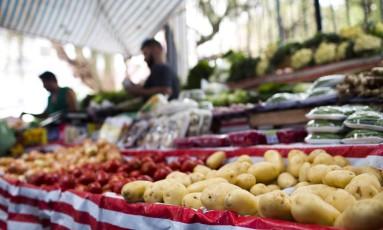 Preços dos alimentos ajudaram inflação em 2017. Foto Monica Imbuzeiro / Agência O Globo