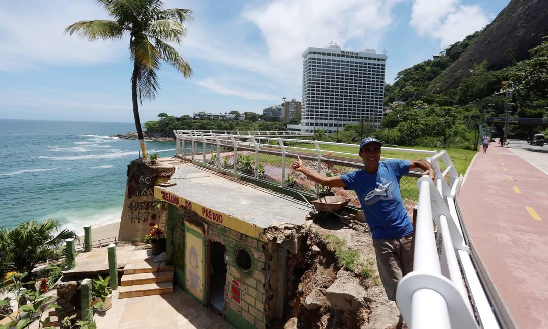 Ele veio para o Rio ao fugir da tragédia ambiental de Mariana, em Minas Gerais Foto: Fabiano Rocha / Agência O Globo