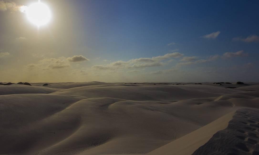 Dunas: paisagem forma o 'deserto brasileiro' nos Lençóis Maranhenses Foto: Elisa Martins / Agência O Globo
