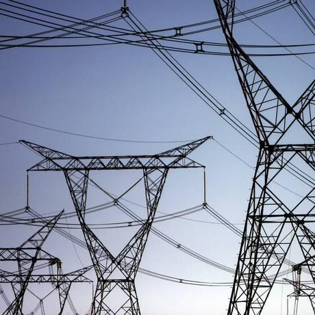 Linhas de transmissão de energia em Foz de Iguaçu, no Paraná. Foto: Dado Galdieri/Bloomberg