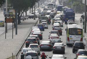 IPVA e DVPAT: motoristas já podem imprimir as guias Foto: Pablo Jacob / O Globo