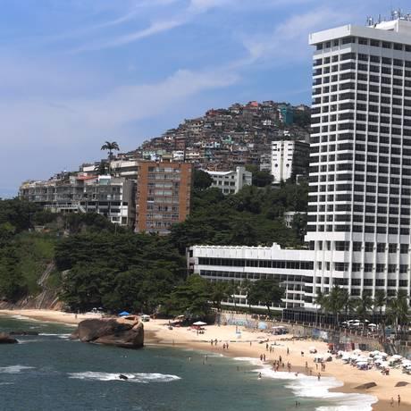 Praia de São Conrado, onde chuveirinho contaminado com vírus da hepatite A foi retirado Foto: Fabiano Rocha / Agência O Globo