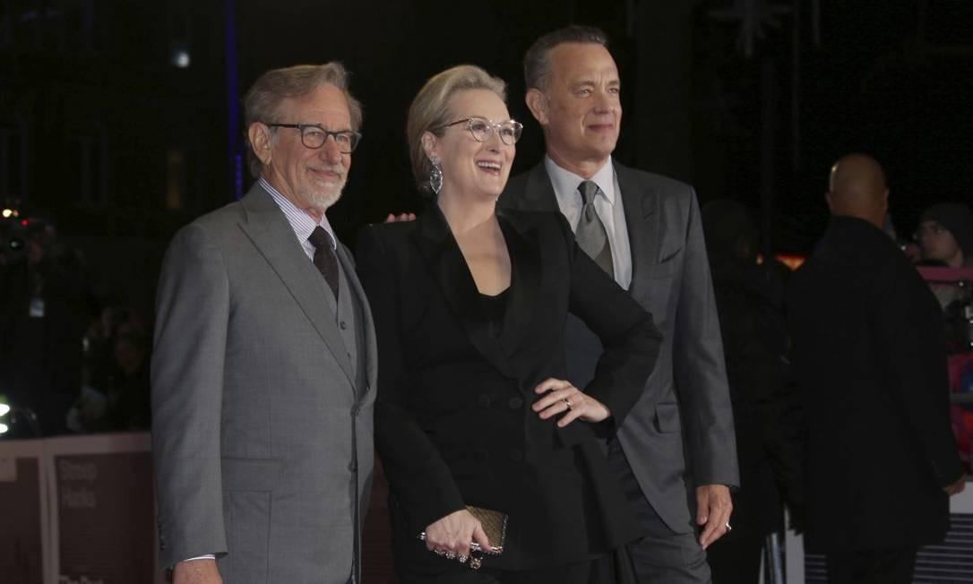 O trio Steven Spielberg, Meryl Streep e Tom Hanks Joel C Ryan / Joel C Ryan/Invision/AP