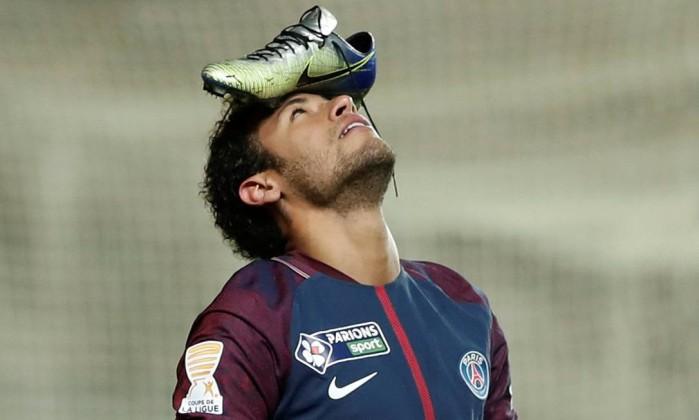 Neymar marca e PSG avança na Copa da Liga francesa