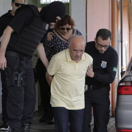 O ex-governador José Melo e a ex-primeira-dama Edilene Oliveira são acusados de desviar R$ 50 milhões da área da saúde Foto: Sandro Pereira/Código19 04/01/2018