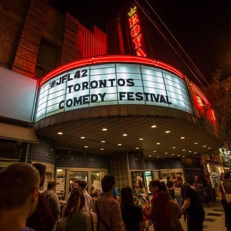Fachada de um teatro durante o Festival de Comédia de Toronto Foto: Divulgação / Agência O GLOBO