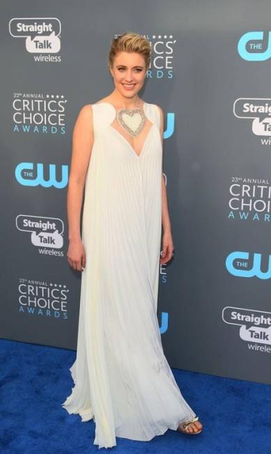 A atriz e diretora Greta Gerwig foi de Fendi JEAN-BAPTISTE LACROIX / AFP