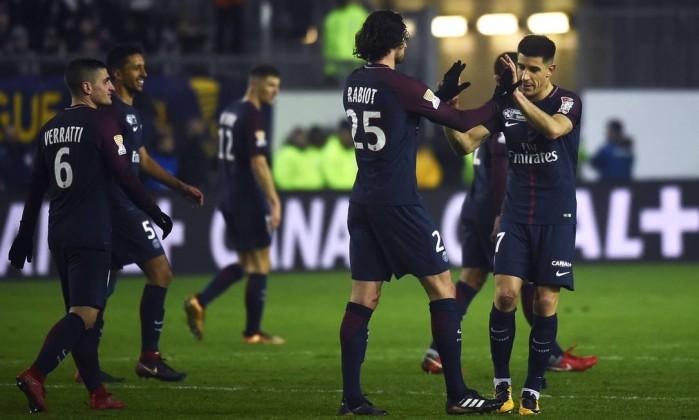 Liga Francesa suspende uso de tecnologia no gol após erros