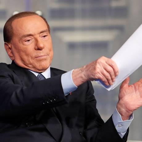 "Silvio Berlusconi opinou sobre a polêmica criada por texto publicado no jornal ""Le Monde"" sobre o assédio sexual Foto: REMO CASILLI / REUTERS"