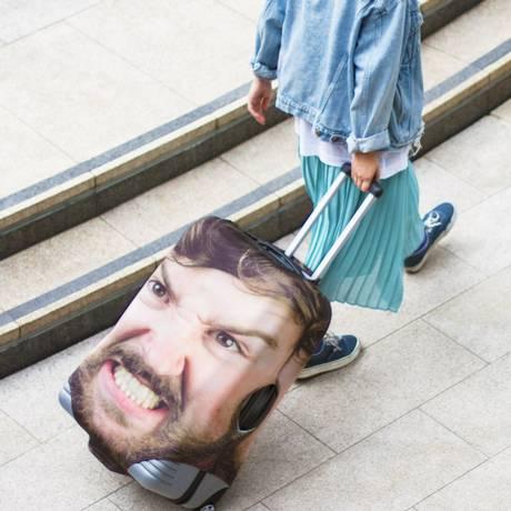 Raivoso. Capa de rosto estampada é uma opção de personalização Foto: Divulgação/Head Face
