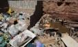Acúmulo de lixo nas ruas da cidade incomoda moradores