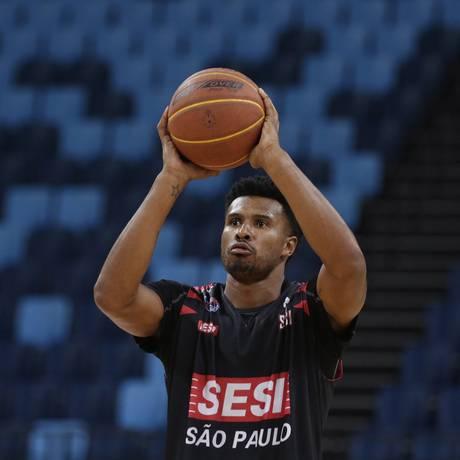 Leandrinho marcou 6 pontos na vitória sobre o Vasco Foto: Gustavo Miranda / Agência O Globo