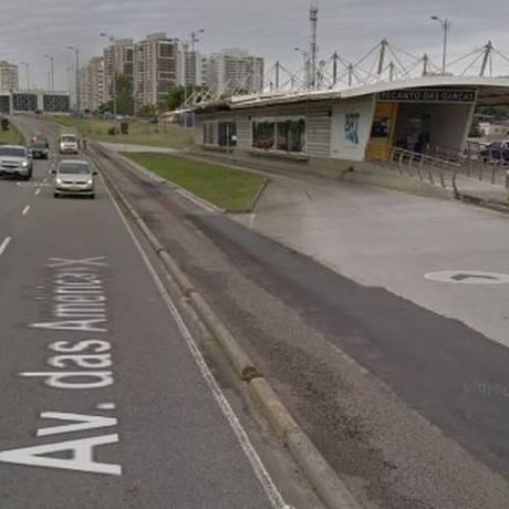 Ocorrência foi na altura da estação Recanto das Garças do BRT Foto: Reprodução / Google Street View